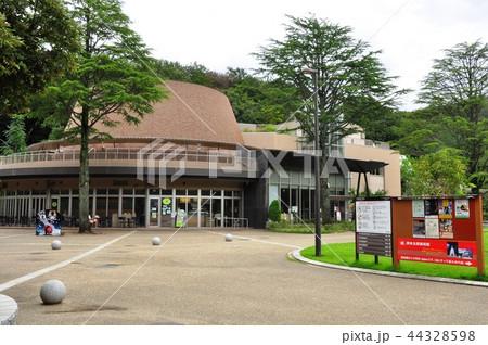生田緑地 中央広場のカフェ星めぐりとかわさき宙と緑の科学館プラネタリウム 44328598