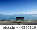 琵琶湖湖畔 ベンチ 湖畔の写真 44340516