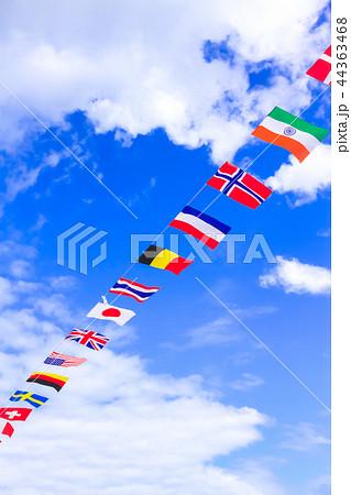 運動会の万国旗 44363468