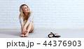 レンガ 女性 メスの写真 44376903