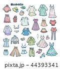 女性の洋服のイラスト 44393341