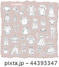 女性の洋服のイラスト 44393347
