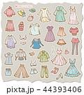 女性の洋服のイラスト 44393406