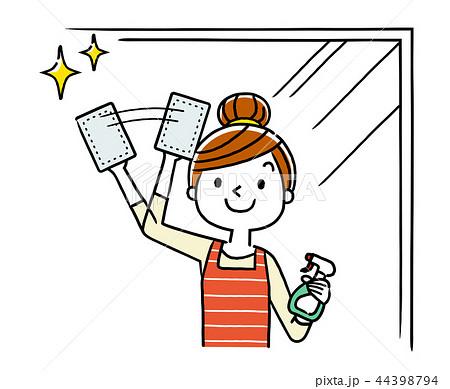 窓の掃除をする主婦、女性 44398794