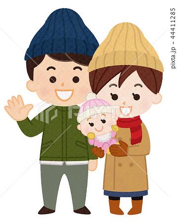 若い夫婦と赤ちゃん 冬服 44411285