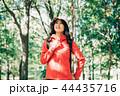 女性 秋 ハイキングの写真 44435716