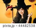 ハロウィン 魔女 コスプレ 日本人 44482538