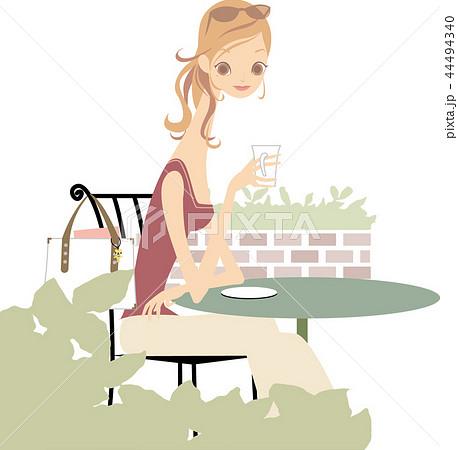 屋外カフェと女性 44494340