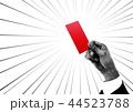 レッドカードを出すビジネスマン(マンガ風) 44523788