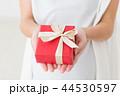 プレゼント ギフト 女性の写真 44530597