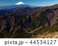 丹沢表尾根・三ノ塔から見る冬の富士山 44534127