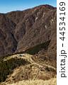 丹沢表尾根・三ノ塔から見る塔ノ岳と烏尾山 44534169