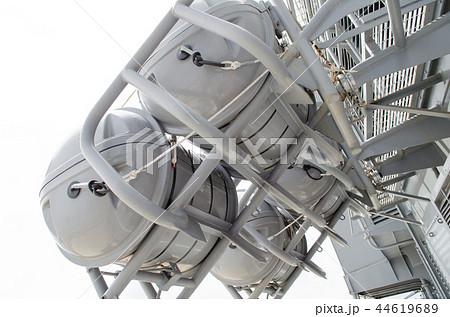 護衛艦「膨張式救命筏」 44619689