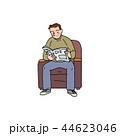 ソファで新聞を読むお兄さん 44623046