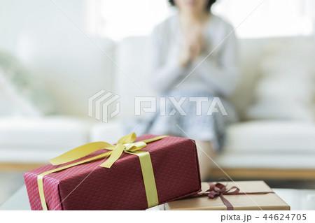 中年女性 プレゼント 44624705