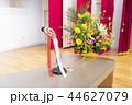 ステージ上の演台(マイク&壇上花) 44627079