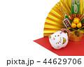 亥年 年賀素材〜門松と白イノシシと金扇子 44629706