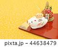 亥年 年賀素材〜親子イノシシと門松 44638479