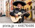 マリアッチ ミュージシャン ギターの写真 44676486