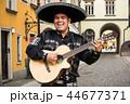 マリアッチ ミュージシャン ギターの写真 44677371