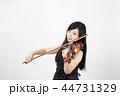 若い 女性 楽器の写真 44731329