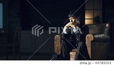 男性 ハードワークイメージ 44789203