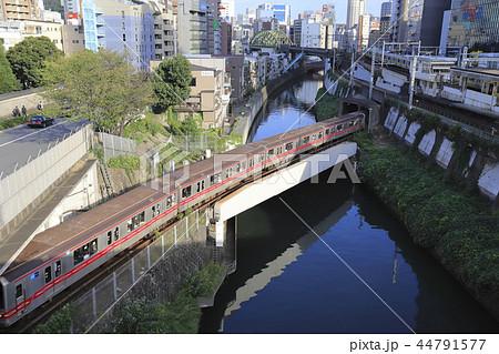 御茶ノ水 聖橋から見た丸の内線とJR総武線・中央線 44791577