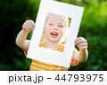 フレーム 子供 女の子の写真 44793975