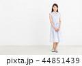 女性 笑顔 カジュアルの写真 44851439