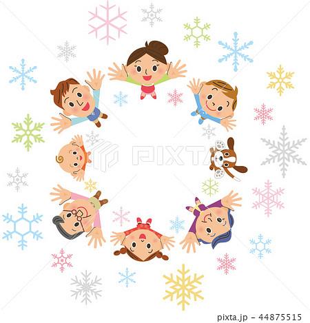 空中を舞う結晶と三世代家族 44875515