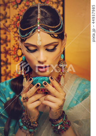beautiful arabic style bride in ethnic clothes 44937985
