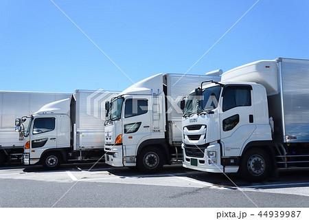 物流 トラック 44939987