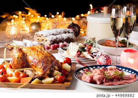 クリスマスディナー 44969882