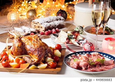 クリスマスディナー 44969883