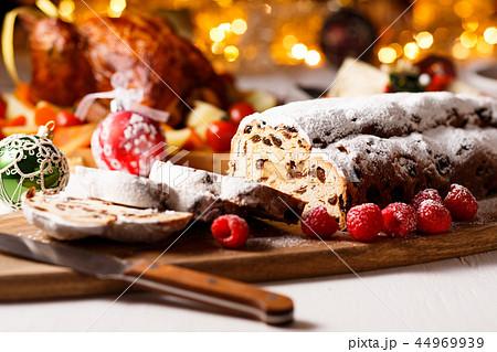 クリスマス シュトーレン 44969939