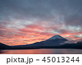本栖湖 富士山 冬の写真 45013244