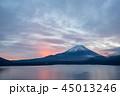 本栖湖 富士山 冬の写真 45013246