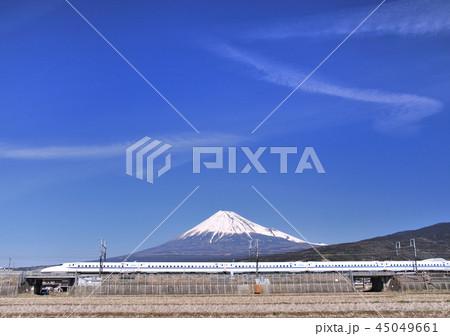 新幹線と富士山-5358 45049661