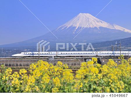 新幹線と富士山-5365 45049667