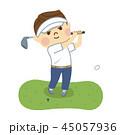 ゴルフをする男性 45057936