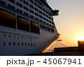 大型旅客船 夕暮れ 豪華客船2 45067941