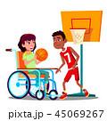 バスケットボール くるまいす 車いすのイラスト 45069267