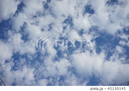 青空と白い雲  45130145
