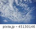 青空と白い雲  45130146