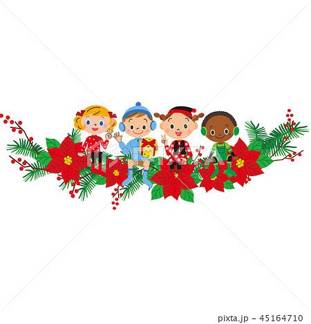クリスマス飾りに座る子供達 45164710