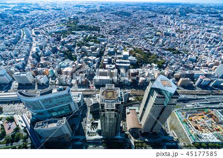 《神奈川県》横浜・高層ビルと住宅街 45177585