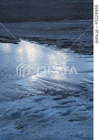 鳥取砂丘の冬 45228906