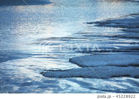 鳥取砂丘の冬 45228922