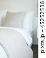 ベッドルーム 寝室 白いの写真 45252538