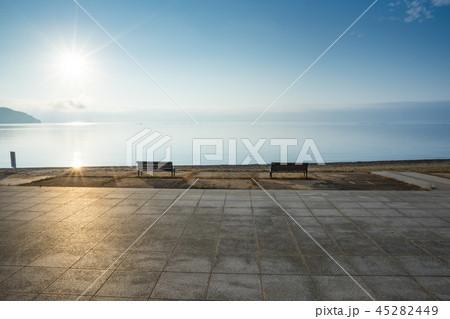 琵琶湖の日の出_滋賀県サニービーチ 45282449
